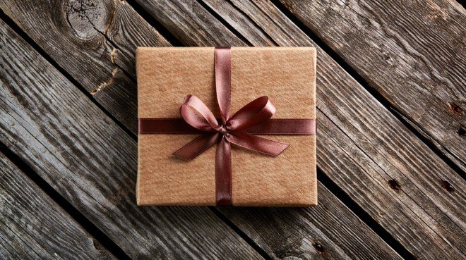 business-gift-giving-etiquette-3-660x369
